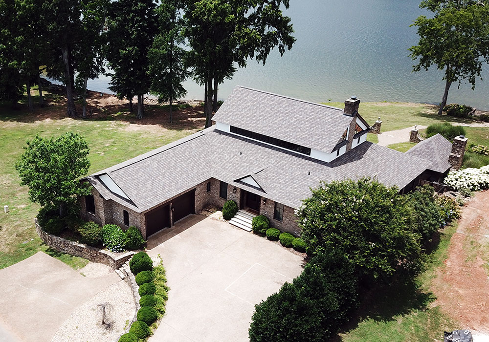 Traditional Shingle Roofer based in Decatur and serving the North Alabama area.